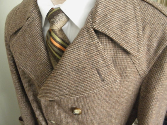 ON SALE Mens Vintage Brown Tweed Winter Coat (size 42)