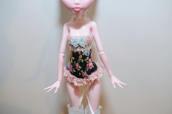 Pink&Black Flowers for Monster High