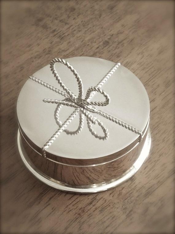 vera wang silver plate round jewelry box trinket box with