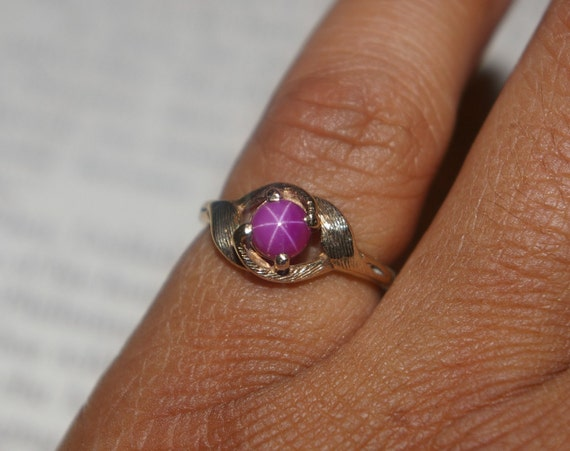 Vintage Purple Linde Star Sapphire Cabochon Ring By