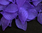 20pc - 19mm Frosted MATTE Purple Leaf Accent Dangle Charm Pendant Beads