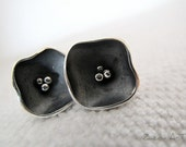 Stud earrings,sterling silver,oxidized,flower,black - Black flower