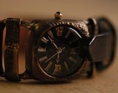 Vintage Handcraft Wrist Watch with Leather Band /// D'tail - Perfect Gift for Birthday and Anniversary