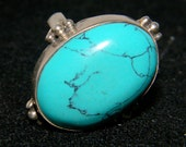 Beautiful TURQUOISE ring set in Sterling Silver .925