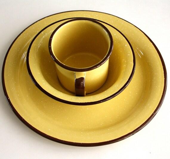 Vintage Six Piece Enamelware Dish Set