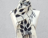 Felted White scarf withe black leaves