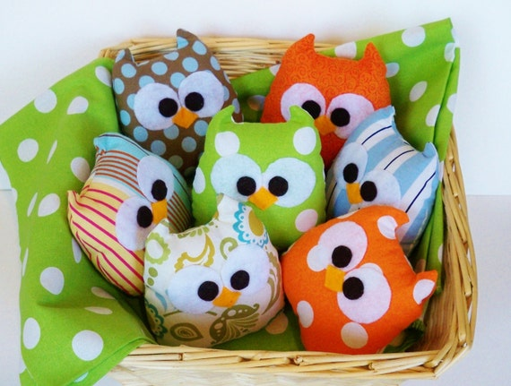 3 lovely mini owls or you can choose your own colors