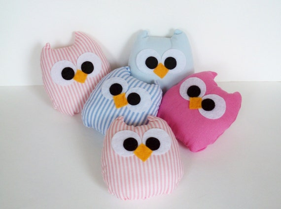2 baby pink and blue mini owls, you can choose any colors you want