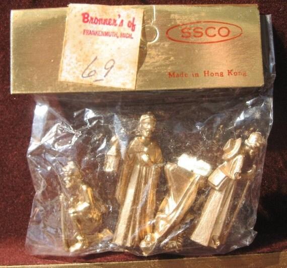 Vintage Christmas Nativity Miniature Gold Manger Creche Set in Original Package