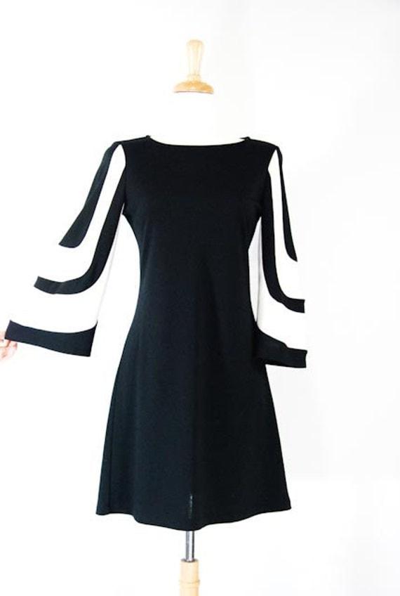 60s Mod Black and White Dress
