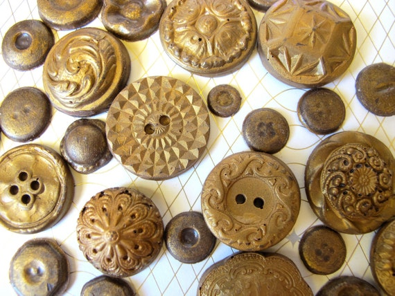 25 Chocolate Buttons: Amber Gold Glimmer Patina, set of 25 (sample)