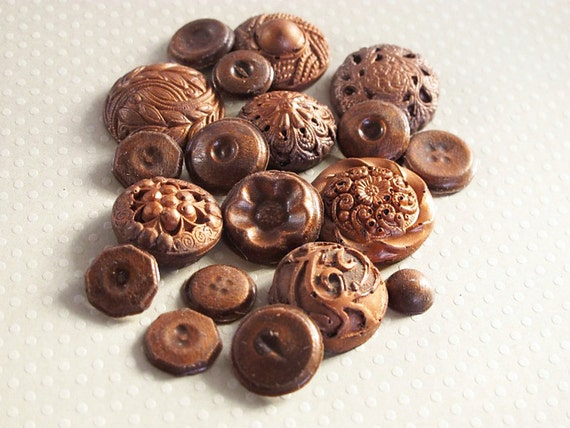 250 Chocolate Buttons: Burnt Copper Glimmer Patina