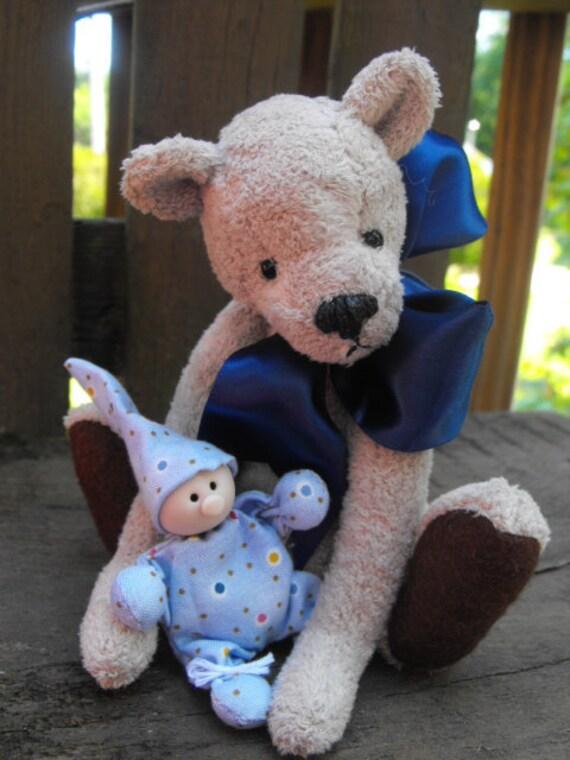 """artist teddy bear """"CUDDLES"""""""