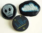 Blackboard brooch - Customize your own round brooch as many times you and your mood want to - Set of 1