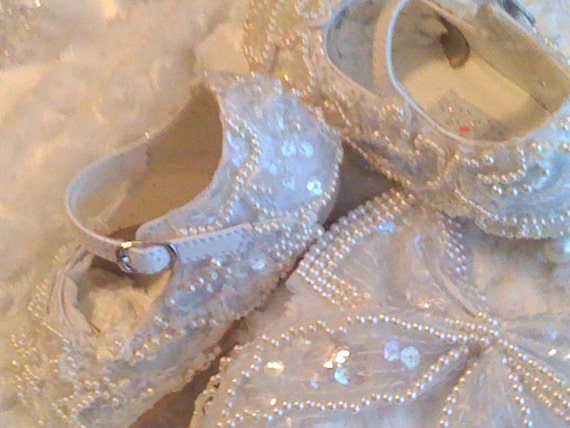 Flower Girls Baby Shoes, White Lace Shoes, Flower Girl Shoes, Keepsake shoes