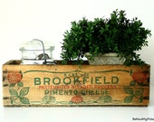 VINTAGE CHEESE BOX - 5 lb Vintage Wooden Brookfield Pimento Cheese Box Crate - Shabby Chic Home Decor