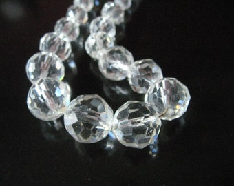 Vintage 1930s Rock Crystal necklace, Art Deco, Beautiful 19 inches, 30s Graduating Crystal Necklace