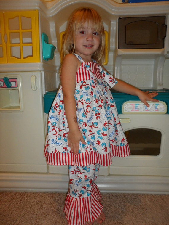 Dr. Seuss Thing 1 and Thing 2  The Cat in the Hat Ruffle Pants Girls size 12-18 mon 2T 3T 4T 5T 6T