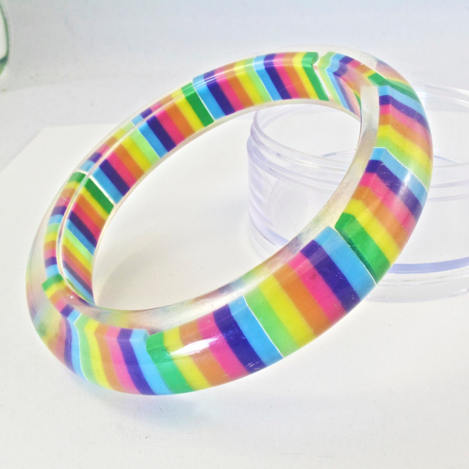 rainbow lucite bangle bracelet plastic vintage no 00478