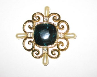 Regal Vintage Brooch/Pendant with Large Green Stone by SMB