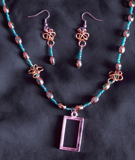 Celtic Knot Necklace & Earring Set