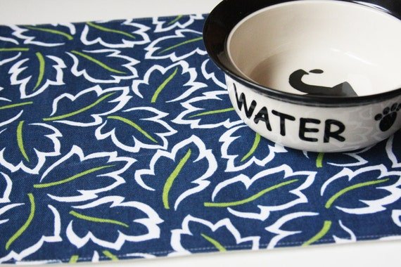 Pet-Mats  -  Blue with Leaves: Small Size