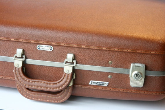 Rust Brown Suitcase American Tourister 3 Pieces - Tri-Taper Hard Side With Accessories and Keys