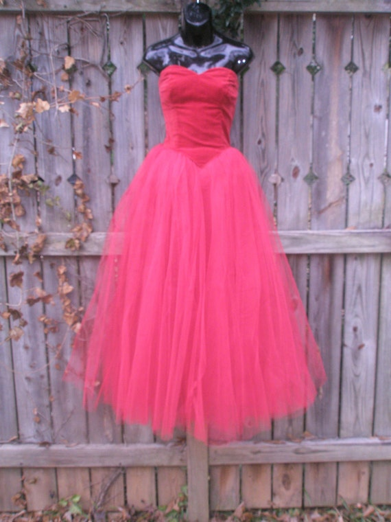New Price! EVERYBODY'S SWEETHEART Blazing Valentine Red Cupcake Dress Velvet Tulle Frothy Dream Hand Sewn 1950 Princess Party Wedding