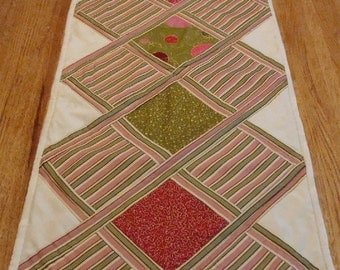 Quilted Table Runner, Summer Awning SALE