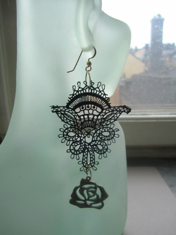 Patinated Roses in Delicate Lace Earrings The Sleeping Wood