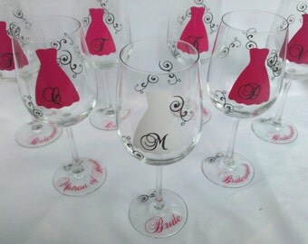 1 Bridesmaids wine glass, hot pink and black or you pick the colors. Bridesmaid gift, Bridesmaids gifts, Bridesmaid gift idea, Bridesmaids