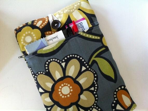 iPad 2 Case - iPad Case / iPad 2 Cover / iPad Cover / iPad Sleeve / iPad 2 Sleeve  Padded BONUS Front Pocket (Museum Floral Pattern)