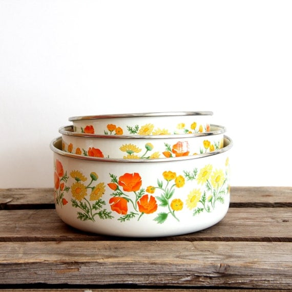 enamelware snack bowls Orange and yellow floral Set of 3 Kitsch your Kitchen