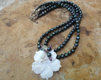 Elegant Navy Pearl Necklace with Shell Carved Flower Pendant