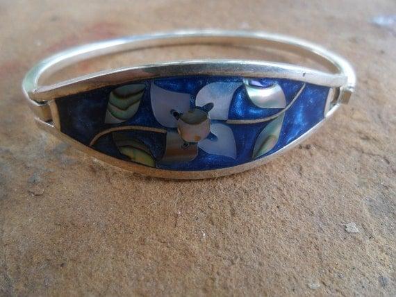 Silver and Mother of Pearl Flower Design Vintage Bracelet