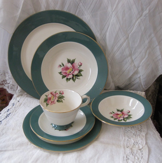 Homer Laughlin Empire Green Dinnerware