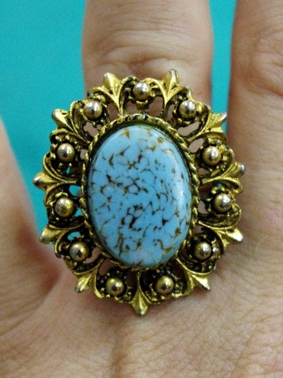 RARE Vintage Antiqued Gold Ornate Deco Filigree Ring with Turquoise Czech Hubbell Art Glass Cabochon