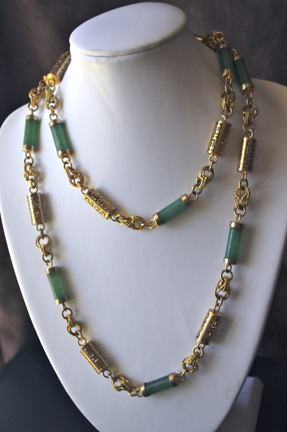 Beautiful Asian Green Jade Gemstone & Hollow Gold Tube Bead Necklace c. 1920 Flapper