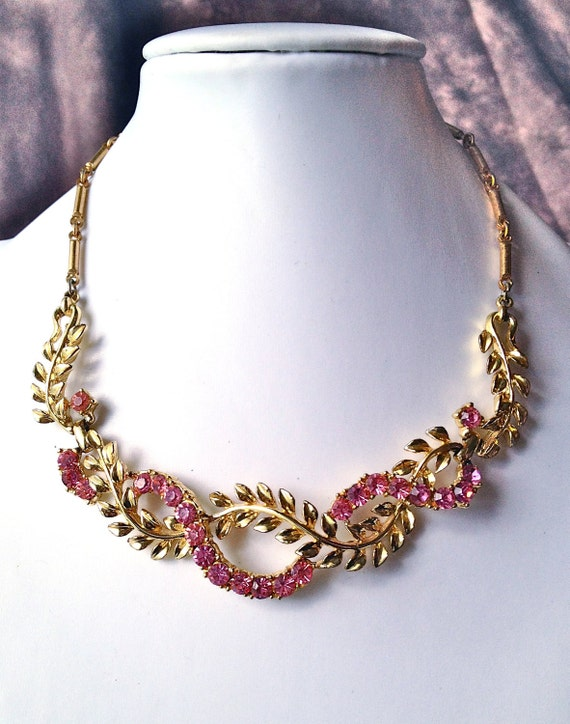 SALE Beautiful 1950's CORO Art Deco Pink Crystal Rhinestone & Vine with Leaves Nouveau Design Chevron Necklace