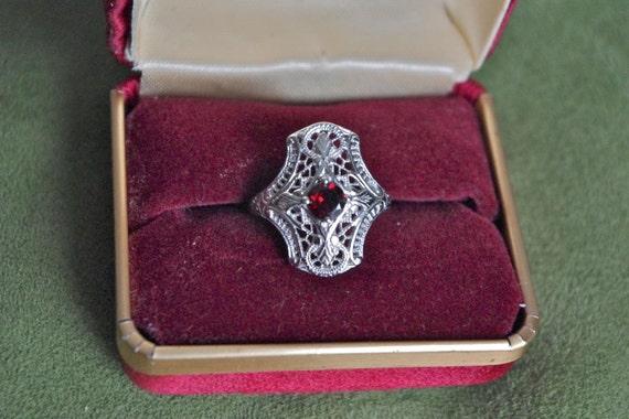 Reserved Gorgeous Victorian Filigree & Garnet Gemstone Art Deco Ring Size 6 1/2
