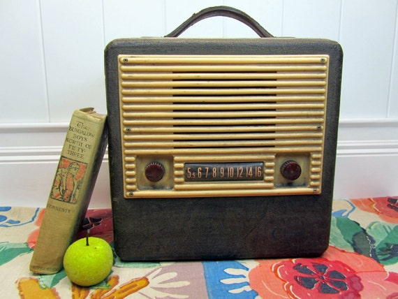 Vintage Radio - Warwick Portable Radio