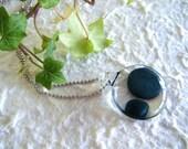 Metal blue dots galss pendant