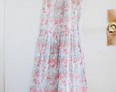 Vintage 70s flowered dress, tie straps