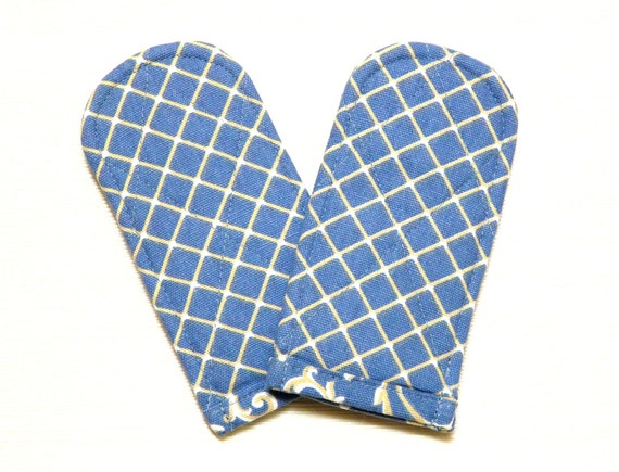 Pan Handle Covers in Blue Lattice French Country
