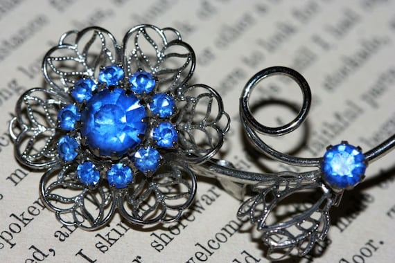Absolutely Gorgeous Vintage Brooch - Silver Flower with Blue rhinestones