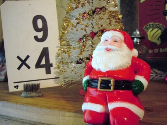 Vintage Santa Claus Figurine / Christmas / Holiday Mantel Decor