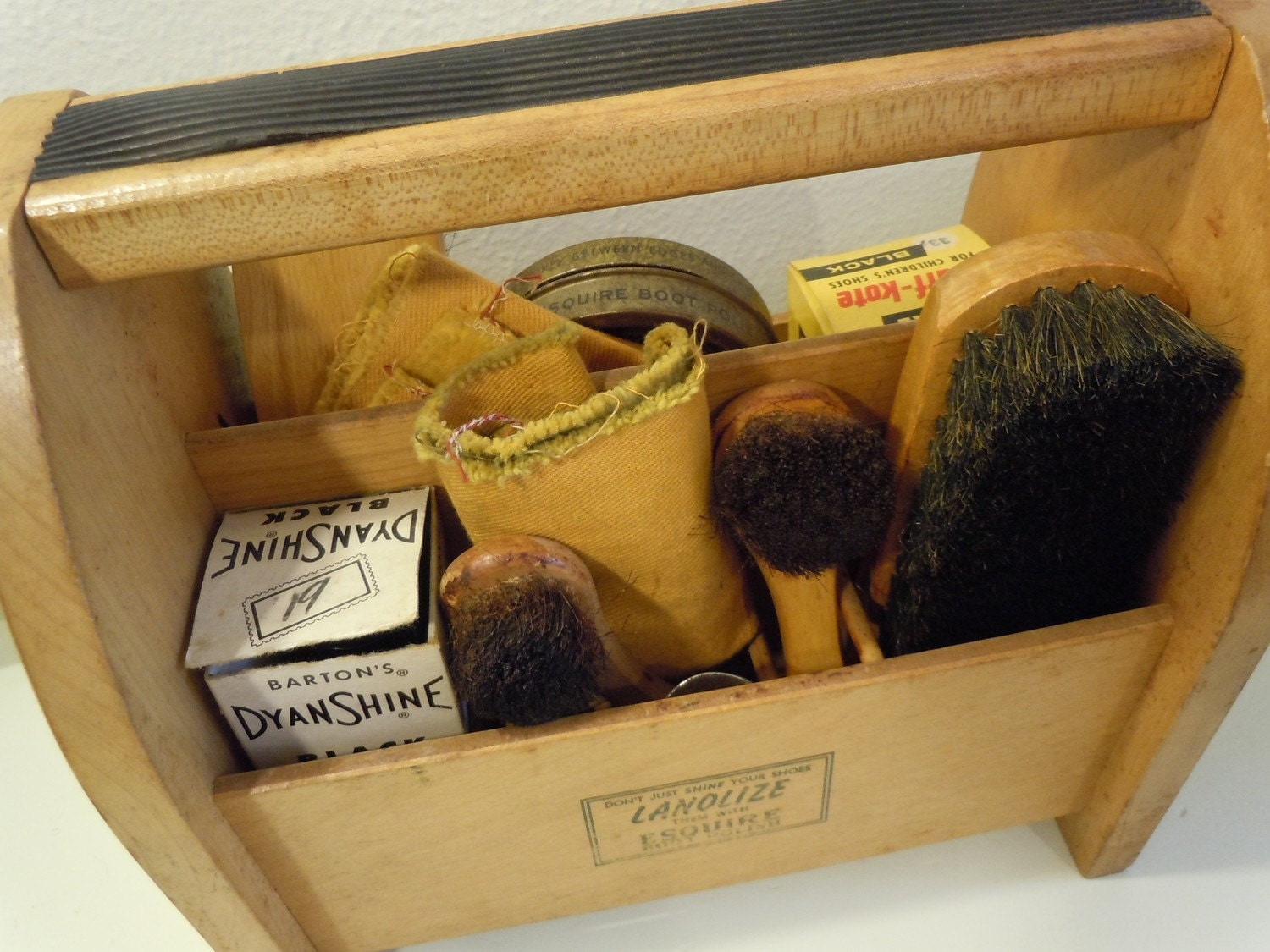 vintage wood shoe shine box kit on sale great man gift under. Black Bedroom Furniture Sets. Home Design Ideas