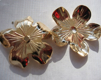 Vintage Gold Flower Finding 25mm Textured Focal Point QTY - 2