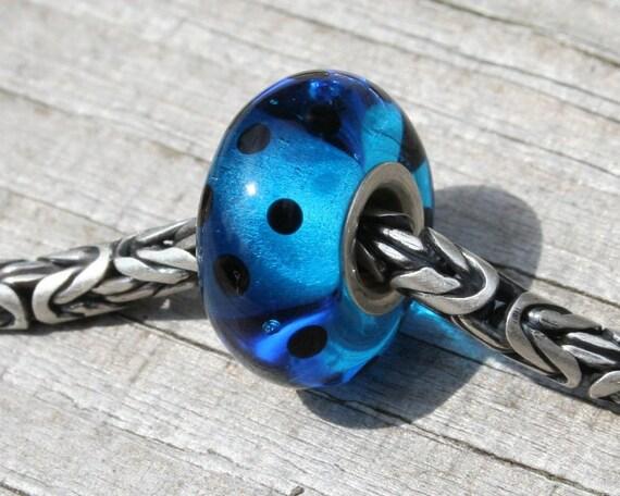 SALE... Blue ladybug - fits pandora/trollbeads size