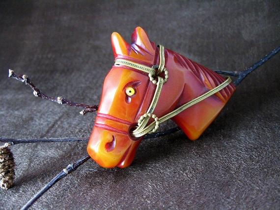 Vintage Bakelite Overdyed Horse Head Pin 1940s Jewelry